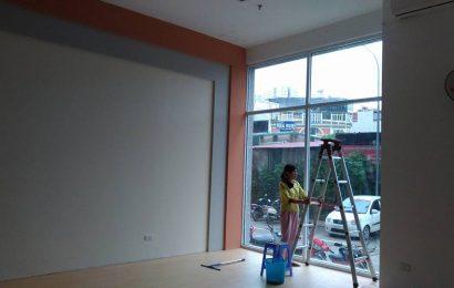 Dịch vụ lau kính tòa nhà, vệ sinh bảo trì tòa nhà